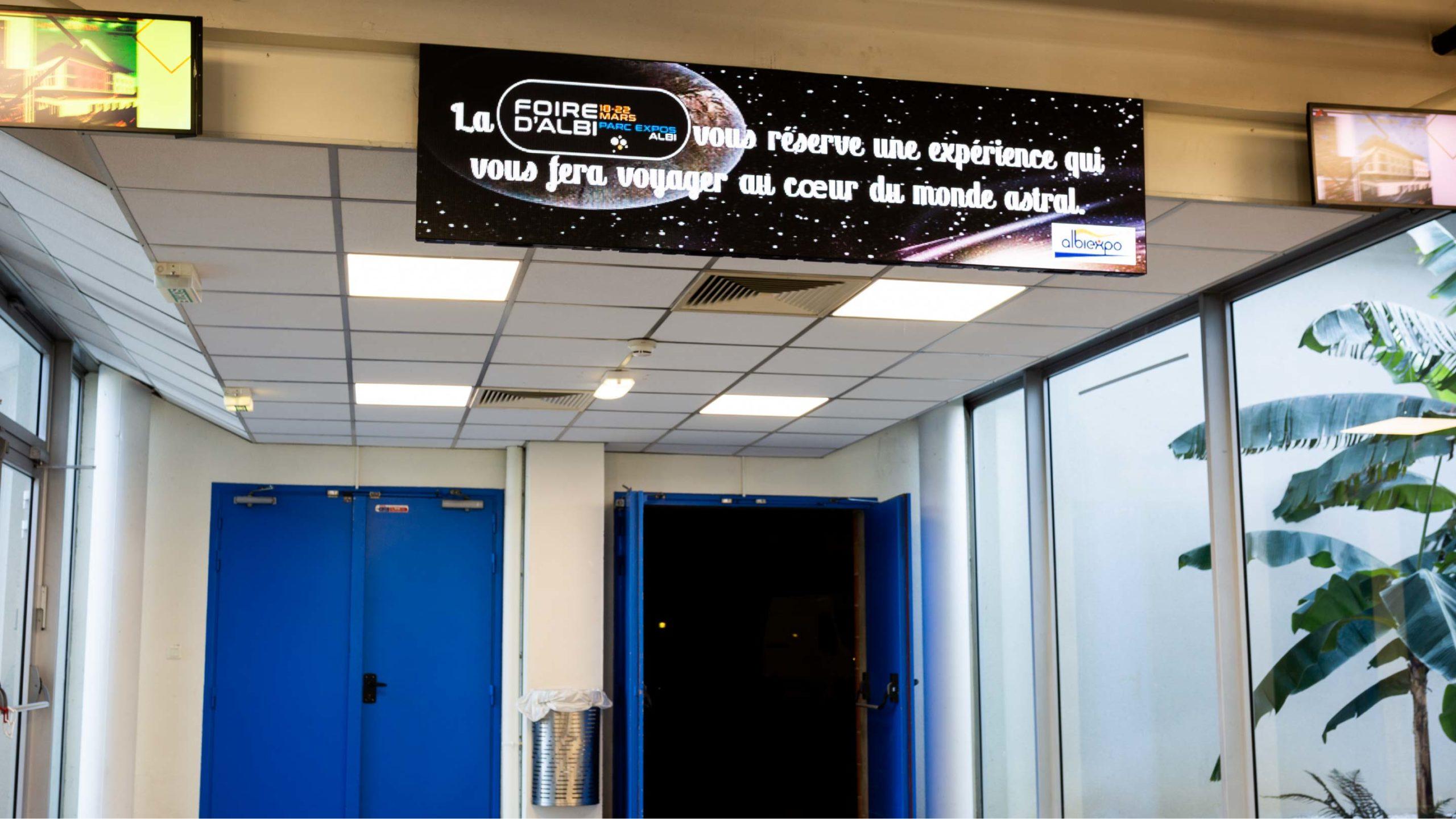 Affichage dynamique Parc des Expositions d'Albi - HMP350 Spinetix_ARYA entreprise_LEDskin beMatrix